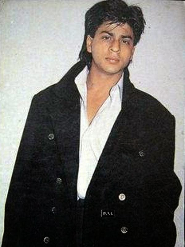 Shah Rukh Khan debuted in 1992 with Deewana as a young man with scruffy hair and loose clothes. Back then, he had a charm which is still entact as is evident in the next picture!