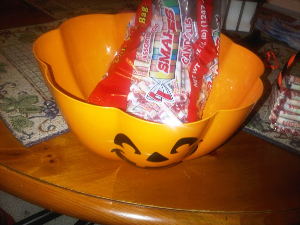 """#IamASmartie Smarties allergy free Halloween candy"""