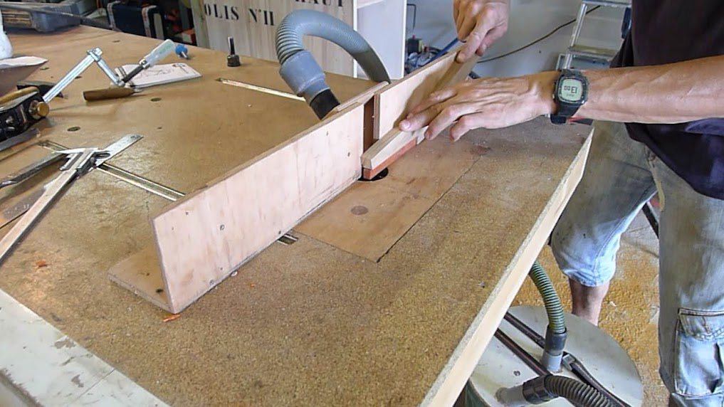 Chaise design pour petit garçon P1060941-001