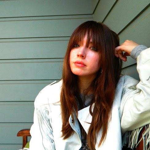 Delilah White Photo 11