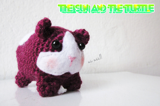 Cute little Amigurumi guinea pig crochet pattern by The Sun and the Turtle.
