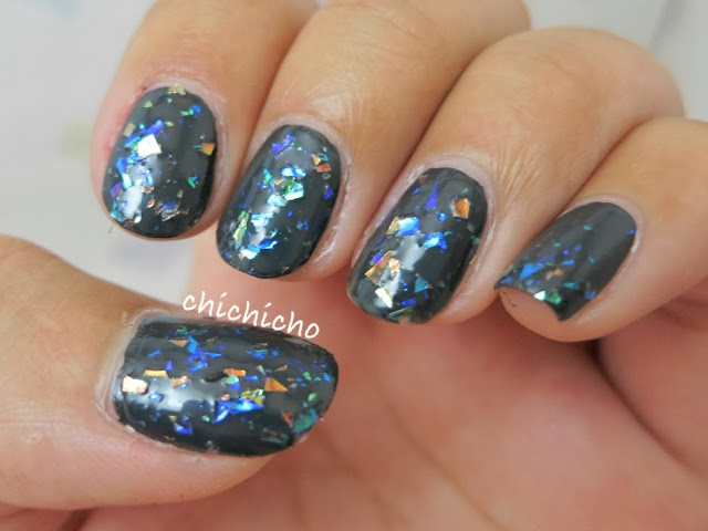 REVLON Nail Art Moon Candy 220 Milky Way Swatch
