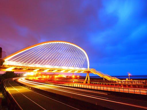新竹香山豎琴橋與紅雲
