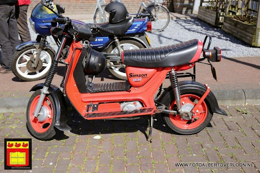 oldtimer bromfietsclub De Vlotter overloon 02-06-2013 (24).JPG