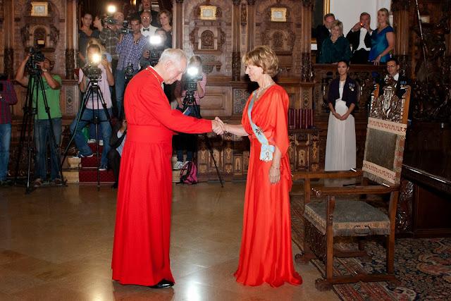 Familia Regală a României a fost binecuvântată, la Londra, de capelanul Reginei, Peter Galloway