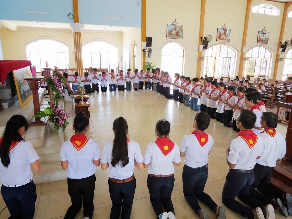 Xứ đoàn Thiếu Nhi Thánh Thể Gioan Maria Vianey tổ chức trại mừng lễ Thánh Quan Thầy.
