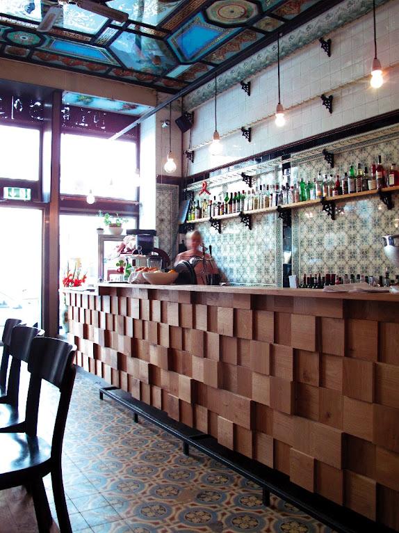 *改造中古世紀德國肉鋪的咖啡酒吧:Michael Grzesiak 保有原始彩繪磁磚! 8