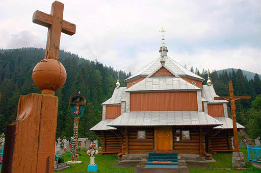 Church of St. Demetrius of Solun Tatariv