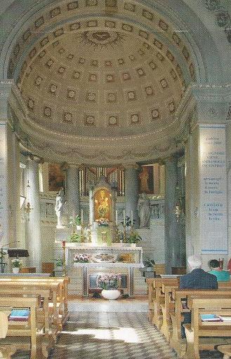 L'interno del Santuario Madonna del Covolo