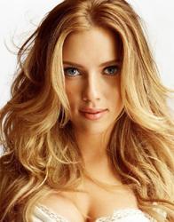 Scarlett Johansson, rosto coração, de franja ondulada boa