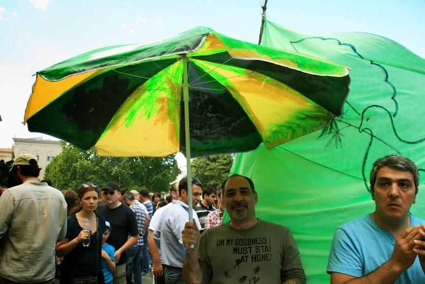 В Тбилиси прошла акция с требованием декриминализации потребления марихуаны