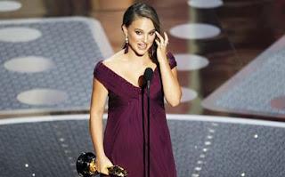 Natalie Portman agradece emocionada