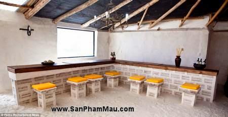 Nội thất gỗ : Khách sạn được xây dựng hoàn toàn từ muối-10