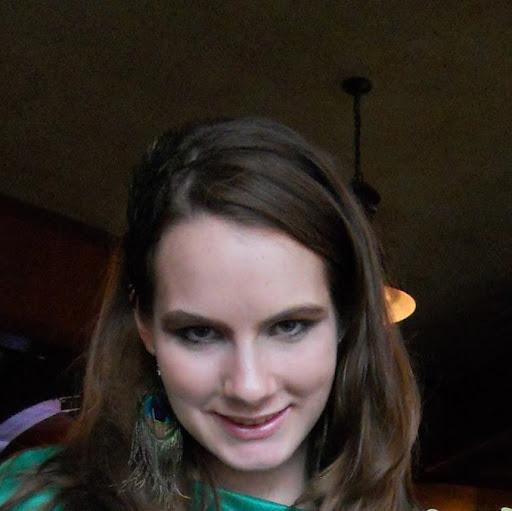 Angela Hays Photo 17