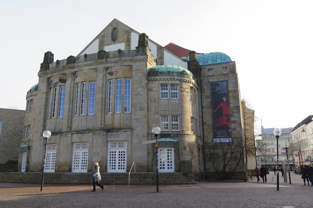 Das Theater am Beginn der Fußgängerzone