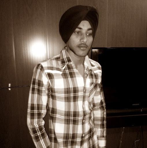 Rajinder Rajput Photo 7