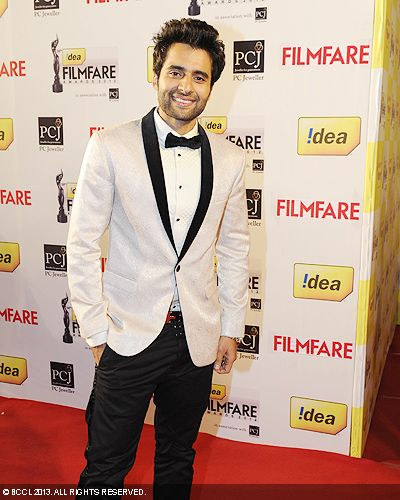 Jackky Bhagnani is all smiles at the 58th Idea Filmfare Awards in Mumbai.Click here for:<br />  58th Idea Filmfare Awards