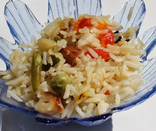 Vegetable Pulao and Raita Recipe | How to make Pulav in Pessure Cooker