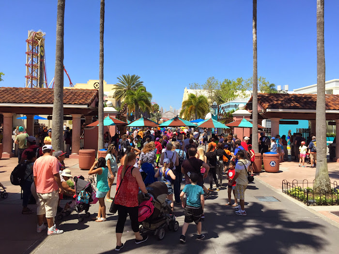 Universal Orlando spring break crowds 2015