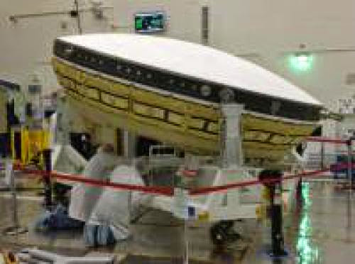 Flying Saucer Built To Aid In Mars Landings