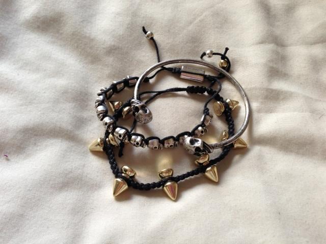 Chciwish skull / spiked bracelets