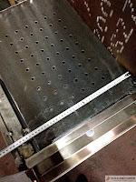 Ascuador - Horno de brasas La Cabaña.  Doble función, preparación de las ascuas a partir del carbón o la leña y horno de brasas.  www.vulcanogres.com oscar@vulcanogres.com Tel. +34 651039750