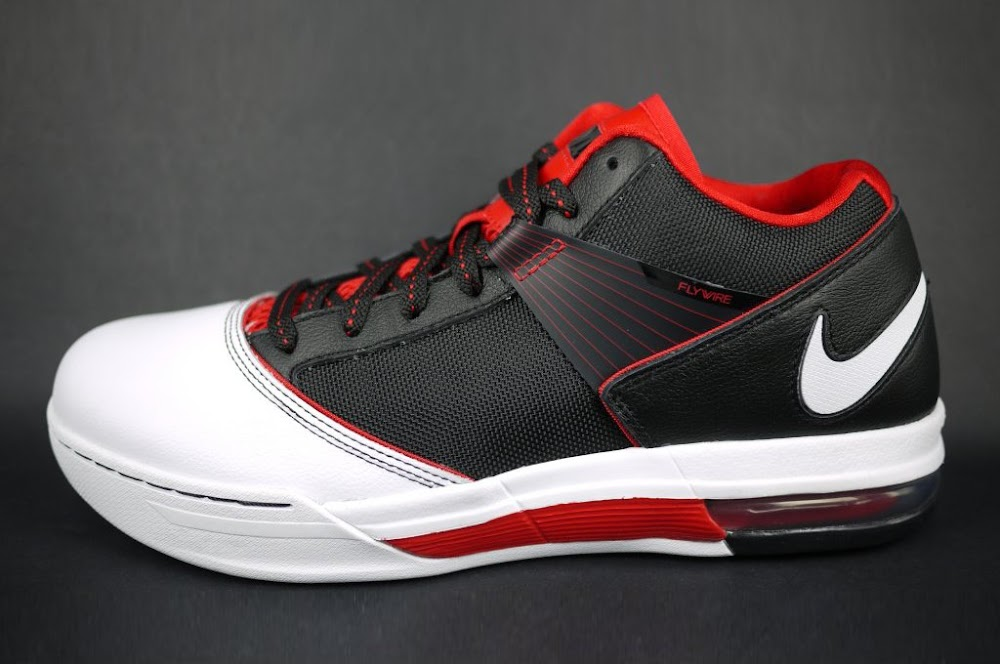 the best attitude 296c5 80268 ... New Zoom LBJ Ambassador III with Flywire 8211 BlackWhiteRed ...