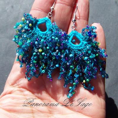 Kolczyki szydełkowe Rosa Biżuteria szydełkowa Panorama LeSage z drobnymi koralikami szklanymi Jablonex i inne