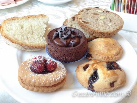 Antiche Mura oteli kahvaltısındaki hamur işleri, Sorrento