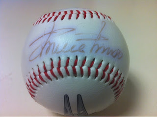 Faded Minnie Minoso autograph on Silver Hawks souvenir ball