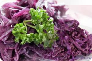 вкусный салат из карснокочанной капусты