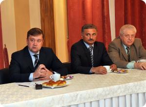 Губернатор встретился с лидерами национальных диаспор