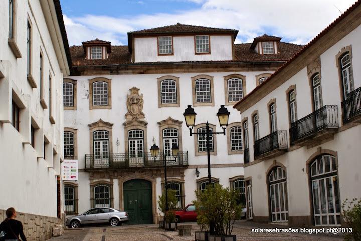Casa dos Loureiros ou dos condes de Alpendurada