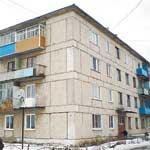 Состояние дома по ул. Городок карьера в Махнёво стало главной темой разговора с прокурором в апреле