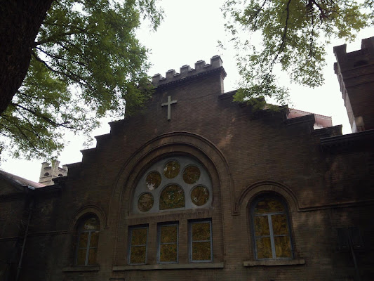 Asbruy Church