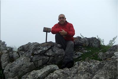 Atxuri mendiaren gailurra 942 m. -  2012ko maiatzaren 13an