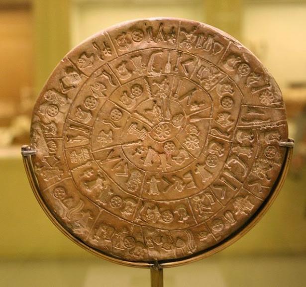 Encontrado em Creta e remontando à Idade do Bronze, o disco de Phaistos é único no mundo e seu significado é um completo mistério