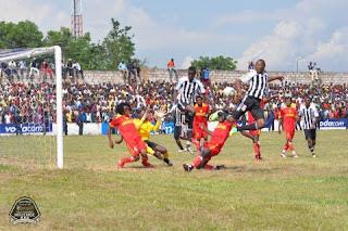Le match SM Sanga Balende contre TP. Mazembe au stade Tshikisha de Mbuji-Mayi/Ph. Droits Tiers.