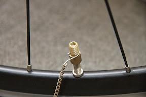 自転車の 自転車 空気 抜ける バルブ : フロアポンプが絶不調に陥った ...
