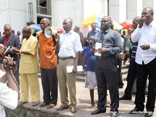 Des syndicalistes  le 03/04/2012 à la place Golgota à Kinshasa- Gombe, lors d'une activité syndicale. Radio Okapi/ Ph. John Bompengo