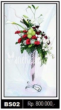 Rangkaian Bunga Standing di Sragen