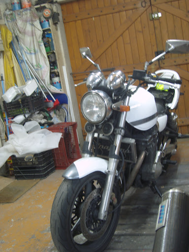 Suzuki GSX Inazuma 1200 Blanche - Page 2 SNV80259