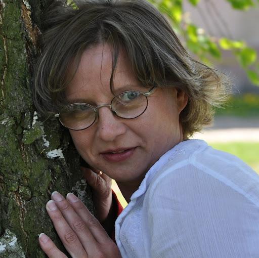 Ewa Adamczyk Photo 12