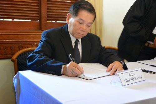 Ông Nguyễn Minh Triết ghi lại những dòng cảm nghĩ của mình về ông Nguyễn Bá Thanh