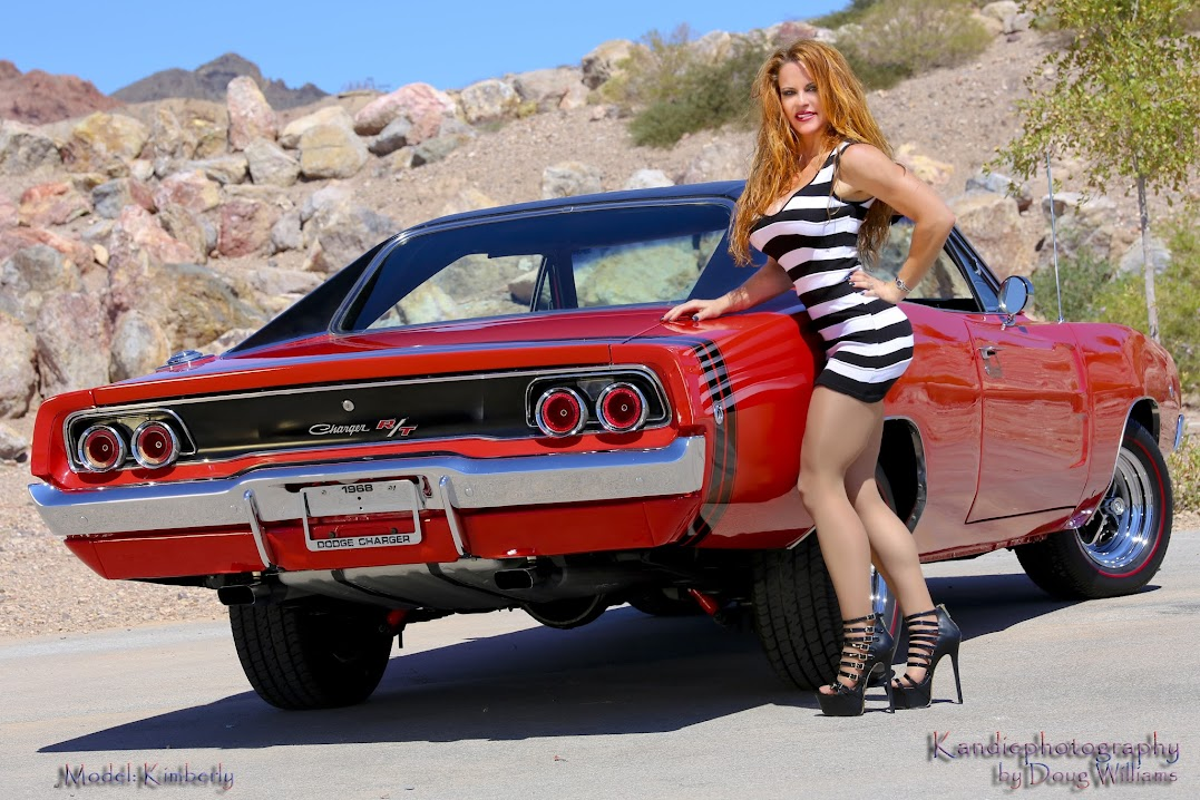 the camera loves a '68 charger, no matter the angle  tunneled rear window  and racy c-pillars are '60s right-on cool, man! bumble-bee stripes,  redlines,