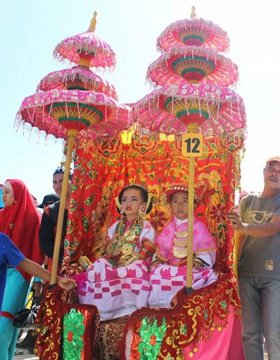 karnaval anak majene agustus 2013 tema adat mandar