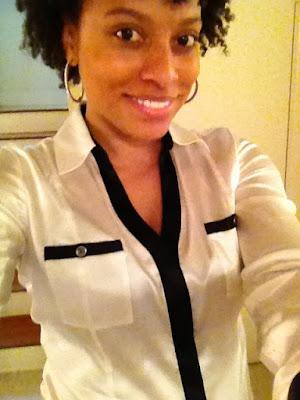natural hair black and white tuxedo shirt white house black market mom style fashion blogger