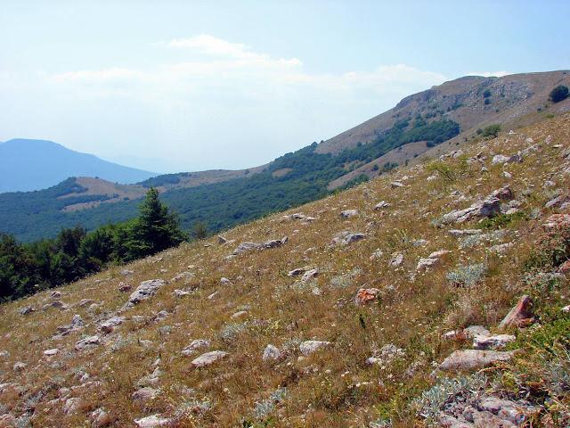 Склон верхнего плато по пути на Эклизи-Бурун