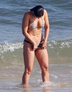 Nana Gouvea in bikini Pics