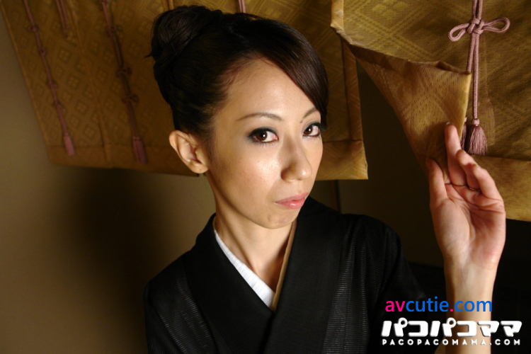 Pacopacomama.111711_507.Misaki.Kawamura